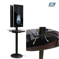 Aluminum Frame Commercial Phone Charging Station With Two Sided 32''  LCD screen for sale